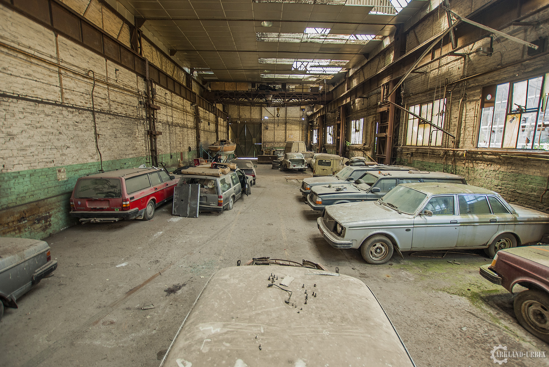 Lost volvo arkland urbex - Garage voiture collection ...